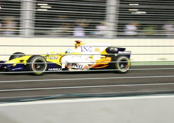 Travel Postcard - Singapore F1 - Renault